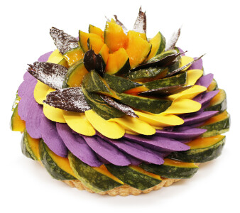 秋の収穫を祝う!ハロウィンケーキが登場!🎃